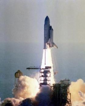 37年前第一架太空穿梭機哥倫比亞號發射升空